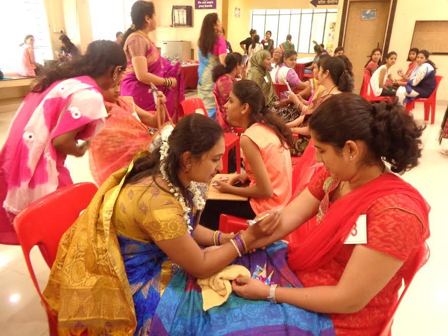 पुणे फेस्टिवल महिला महोत्सवात रंगल्या पाककृती, मेंदी आणि उखाणे स्पर्धा
