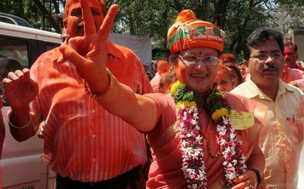 मुक्ता टिळक आणि रेश्मा भोसले, वर्षा तापकीर  महापौरपदाच्या शर्यतीत