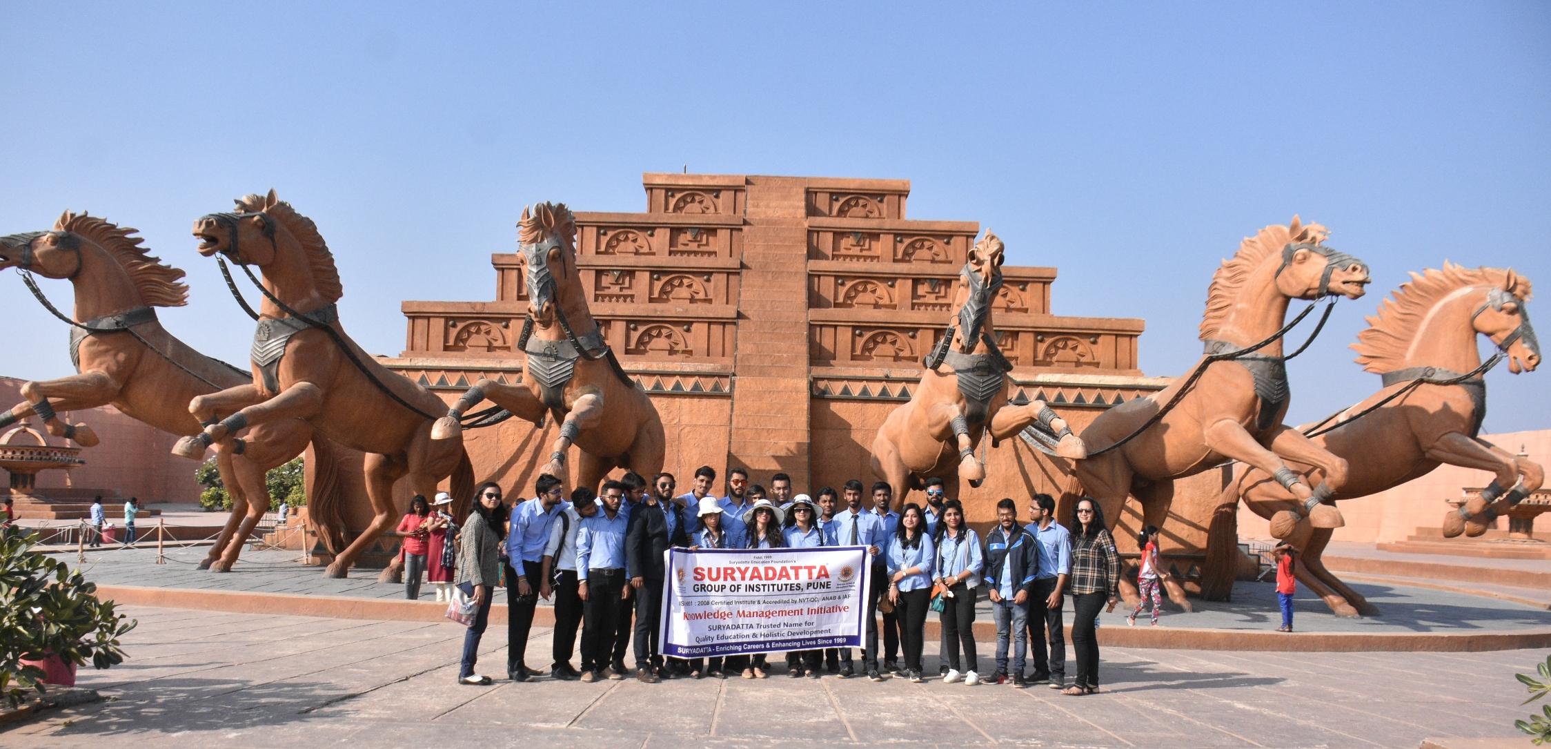 'सूर्यदत्ता'च्या विद्यार्थ्यांची 'रामोजी फिल्म सिटी'ला भेट