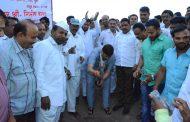 मौजे कल्याण महाराष्ट्रात आदर्श बनवणार : पालकमंत्री गिरीश बापट