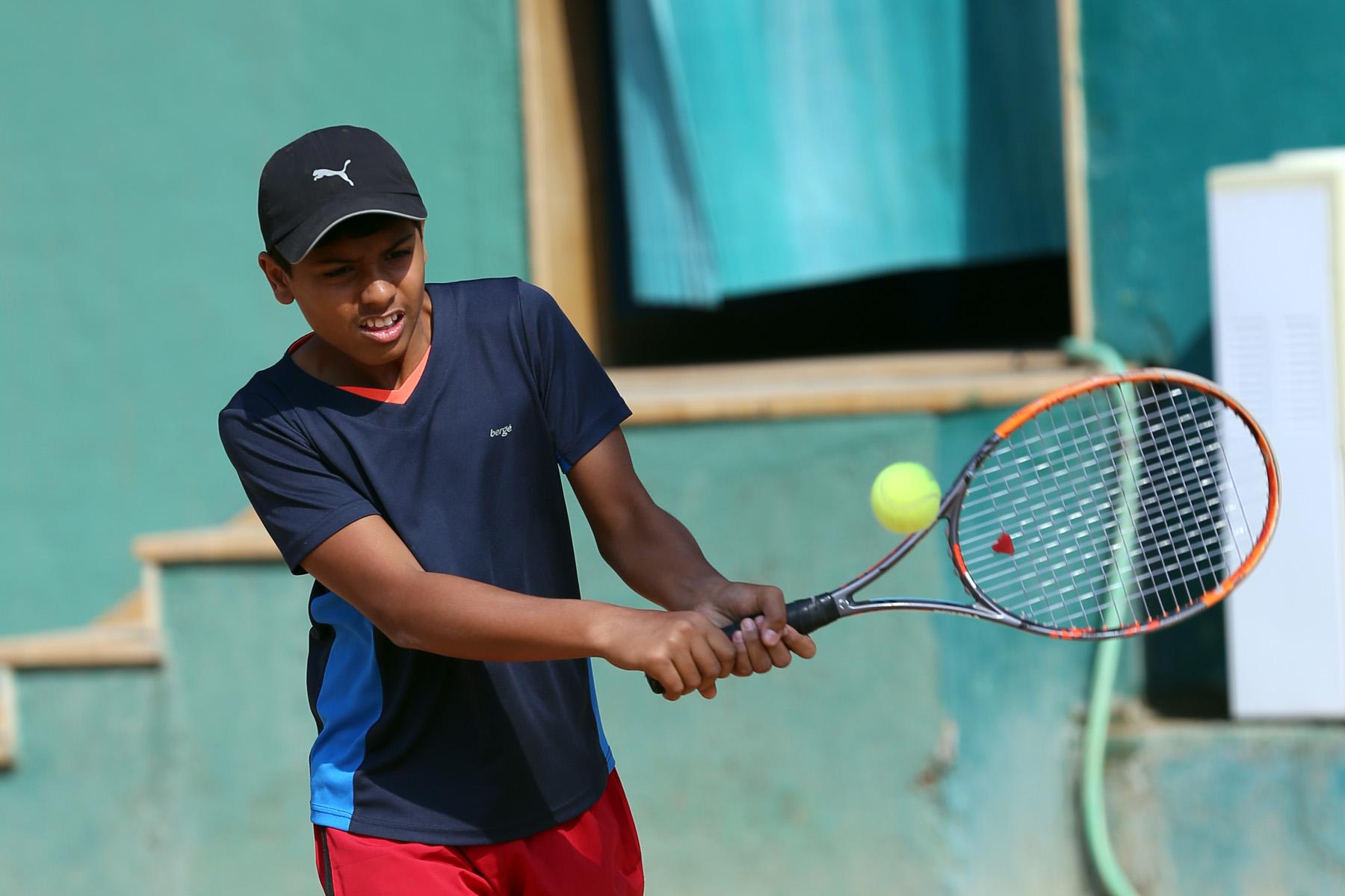 14 वर्षाखालील राष्ट्रीय टेनिस स्पर्धेत अर्णव कोकणे,  अर्णव पापरकर,  सिध्दार्थ मराठे,   श्रावणी खवले,  श्रिवल्ली मेदिशेट्टी यांचा मुख्य फेरीत प्रवेश