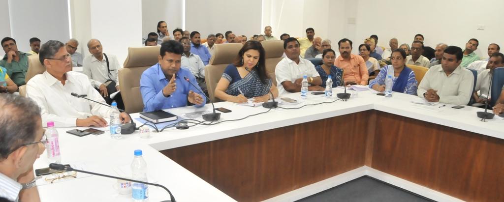 सहकारी गृहनिर्माण संस्थांच्या अध्यक्ष-सचिवांना मतदान केंद्रस्तरीय स्वयंसेवक  म्हणून घोषित करणार- जिल्हाधिकारी नवल किशोर राम