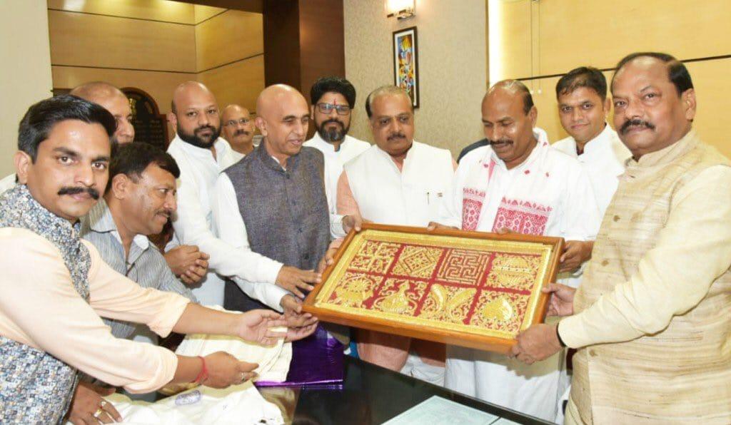 सम्मेद शिखर जी चे पावित्र्य कायम राखणार :    मुख्यमंत्री रघुवर दास
