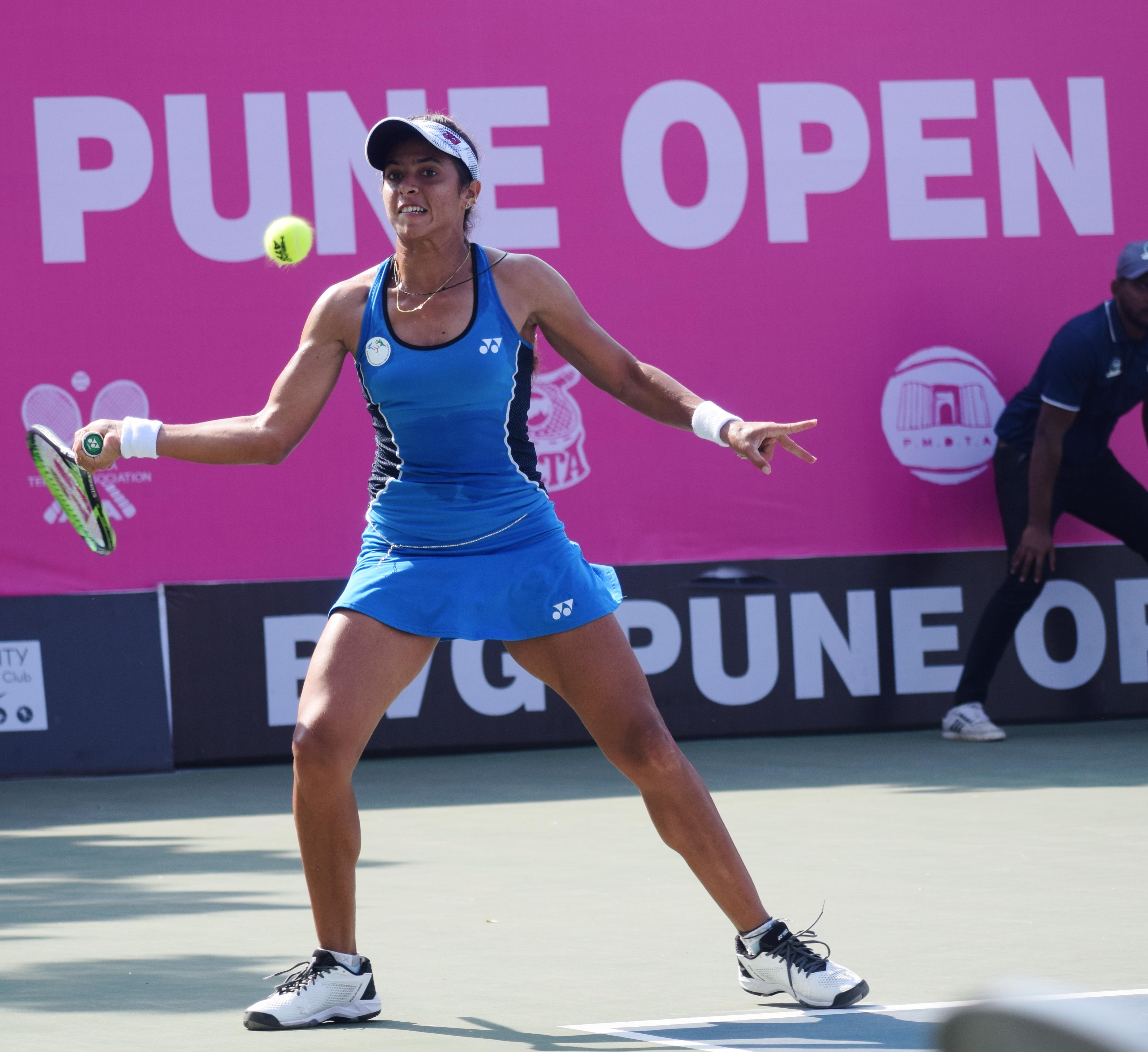 टेनिस स्पर्धेत जॅकलिन अडीना क्रिस्टियन, कै-लीन झाँग, मरिना मेलनिकोवा, इवा गुरेरो अल्वारेज यांचा मानांकित खेळाडूंना पराभवाचा धक्का