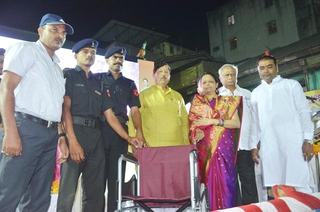 'शहीद जवानांच्या प्रति आदर व्यक्त करण्यासाठी  उपक्रम व्हावेत ': पालकमंत्री गिरीश बापट