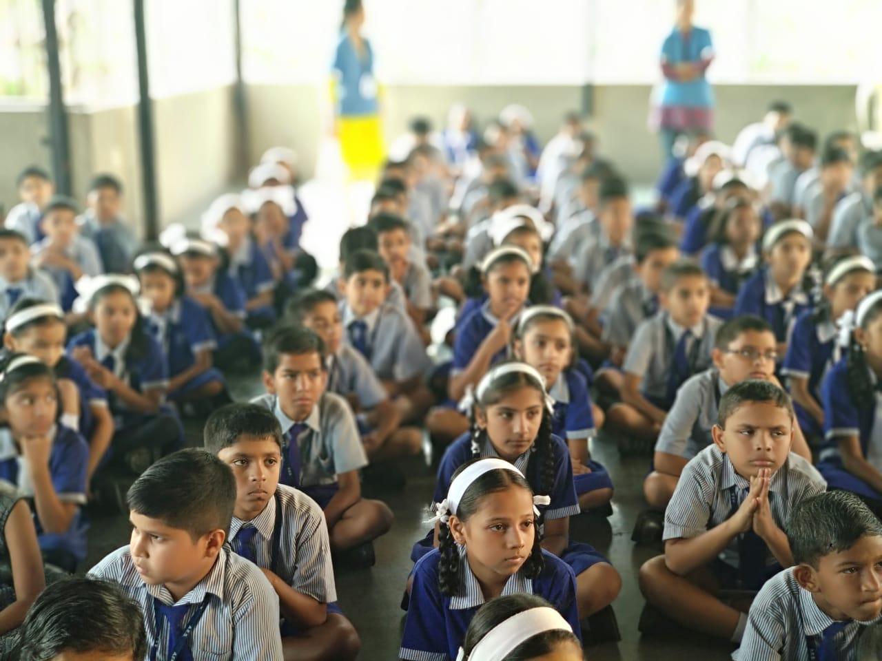 लिटल फ्लॉवर इंग्लिश मिडियम स्कूलमध्ये संविधान दिन उत्साहात साजरा