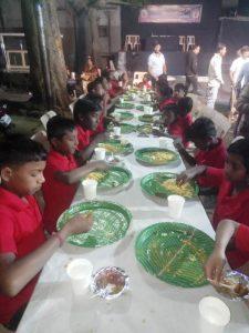 बचपन वर्ल्ड फोरम या सामाजिक संस्थेमधील   मुलांना अन्नदान