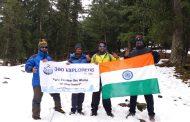 360 एक्स्प्लोरर टीमने 12,500 फुटांवर तिरंगा फडकवला.