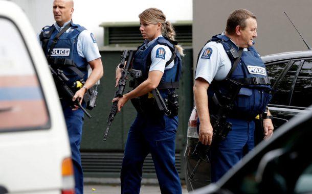 फेसबुकवर लाइव्ह स्ट्रीमिंग सुरु करून न्यूझीलंडमध्ये मशिदींवर हल्ला 49 ठार-वर्णद्वेषातून स्थलांतरित लोकांचे झालेले भीषण हत्याकांड