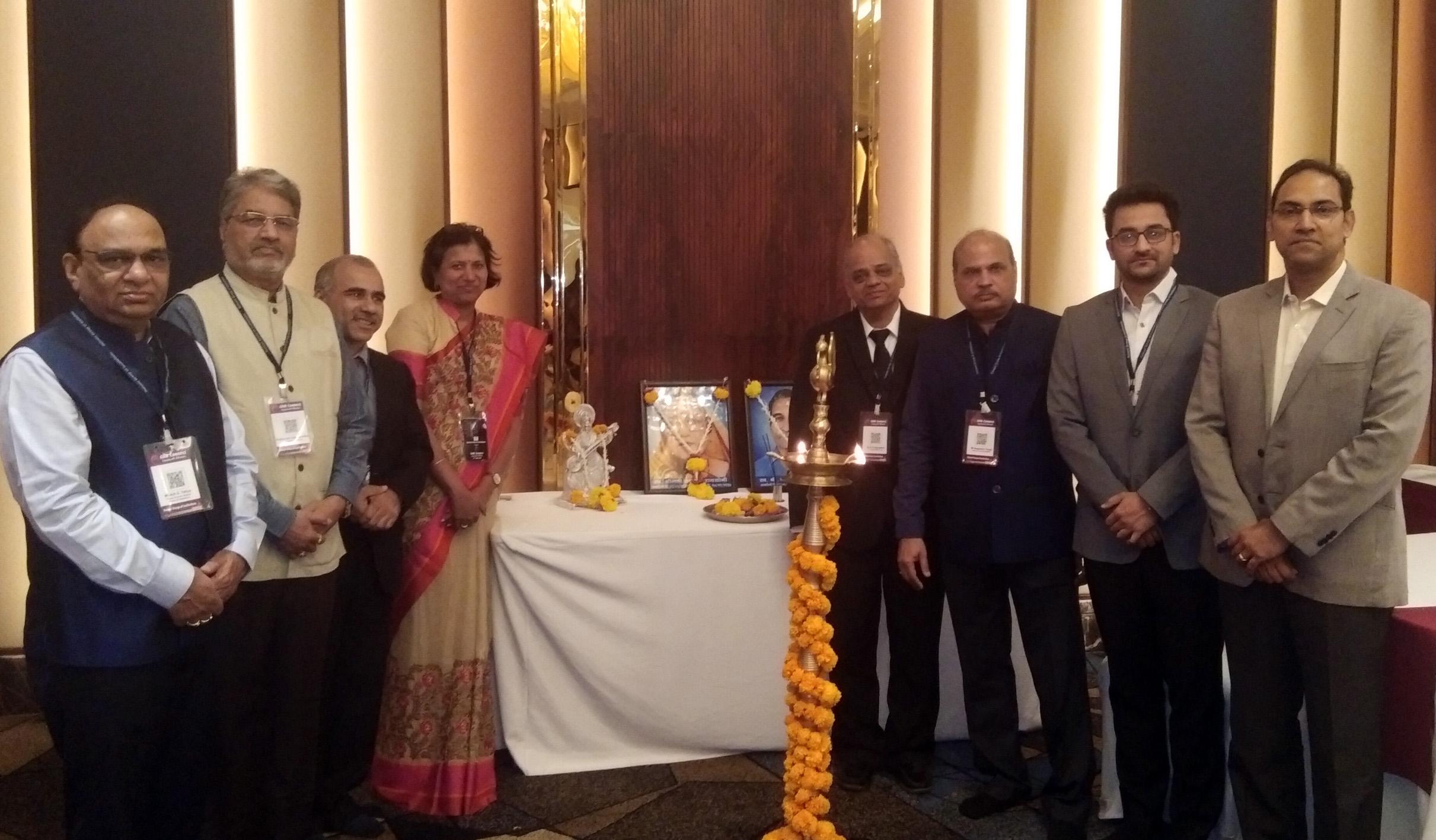 कुशल मनुष्यबळासाठी उद्योगांनी घ्यावा पुढाकार-डॉ. रघुनाथ शेवगावकर