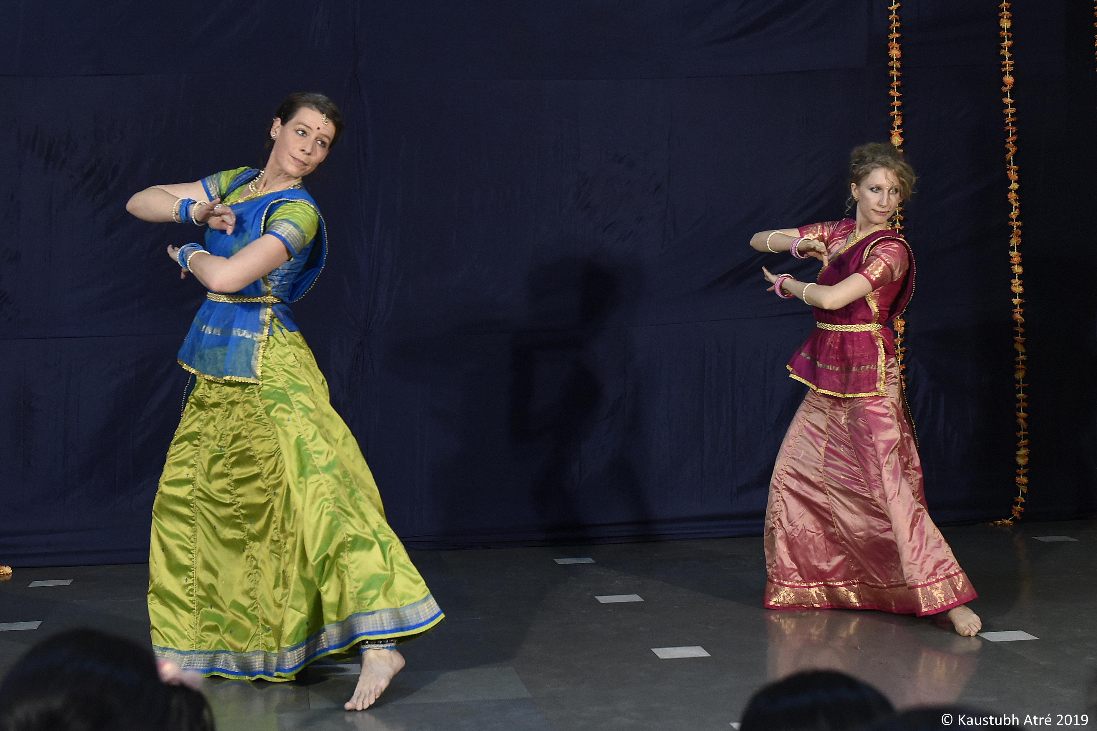 जर्मन कथक नृत्यांगनांच्या  पदन्यासाला उत्स्फूर्त दाद