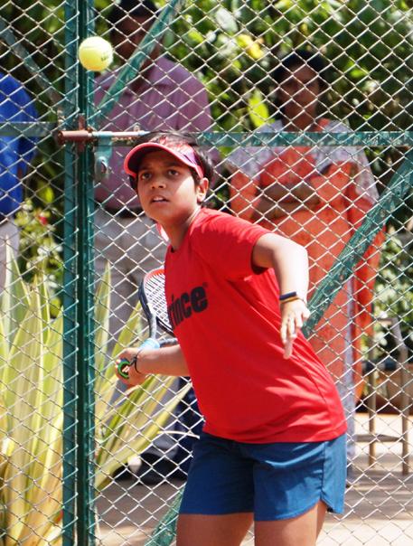 राष्ट्रीय मानांकन टेनिस स्पर्धेत महाराष्ट्राच्या मानस धामणे, मधुरीमा सावंत, रुमा गायकैवारी यांचा अंतिम प्रवेश