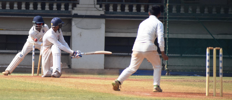 पीवायसी हिंदू जिमखाना संघाचा डेक्कन जिमखानावर 97 धावांनी विजय