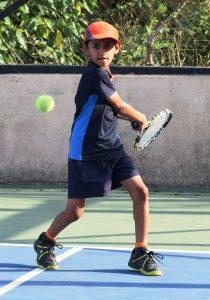पीएमडीटीए ज्युनियर टेनिस लीग स्पर्धेत विपार स्पिडिंग चिताज संघाचा फ्लाईंग हॉक्सवर संघर्षपूर्ण विजय
