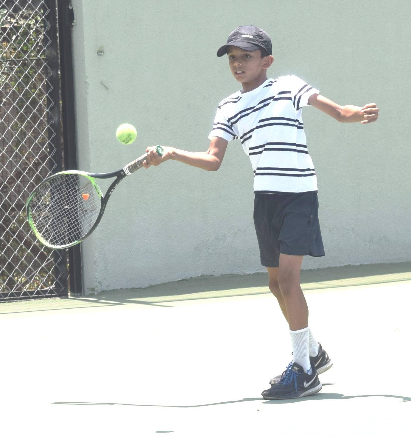 ल टेनिस स्पर्धेत शिवतेज श्रीफुले,  शार्दूल खवळे यांचा मानांकित खेळाडूंवर विजय