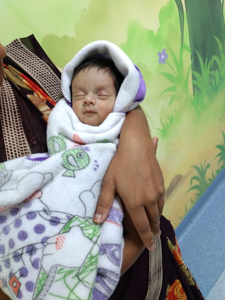 नुकत्याच जन्मलेल्या बाळाच्या पोटात आढळली  २००ग्रॅमची रक्ताची  गाठ !