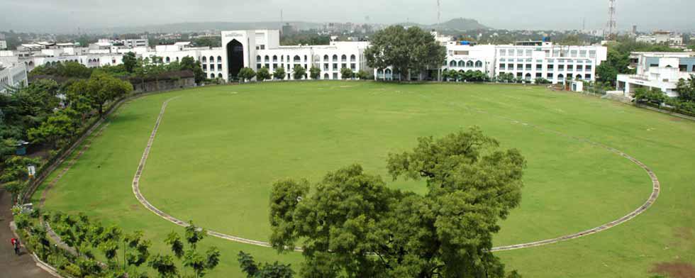 'अँग्लो उर्दू गर्ल्स हायस्कुल 'चा १०० टक्के निकाल