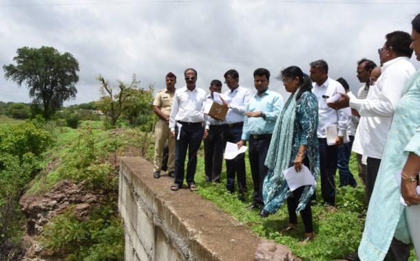 केंद्रिय सहसचिव सुषमा तायशेटे यांनी साधला गावशिवारातील ग्रामस्थ,शेतक-यांशी संवाद