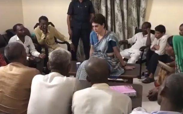 प्रियांका अखेर पीडित कुटुंबीयांना भेटल्या