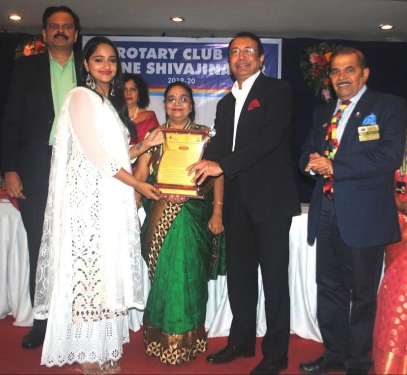 युवा अभिनेत्री अदिती विनायक द्रविड रोटरी पुरस्कारा ने सम्मानित