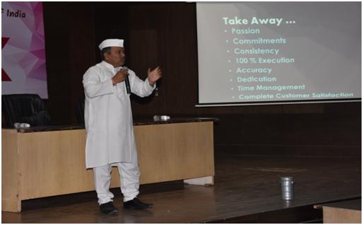 'मुंबईचा डबेवाला' विषयावर व्यवस्थापनशास्त्र व्याख्यानास प्रतिसाद