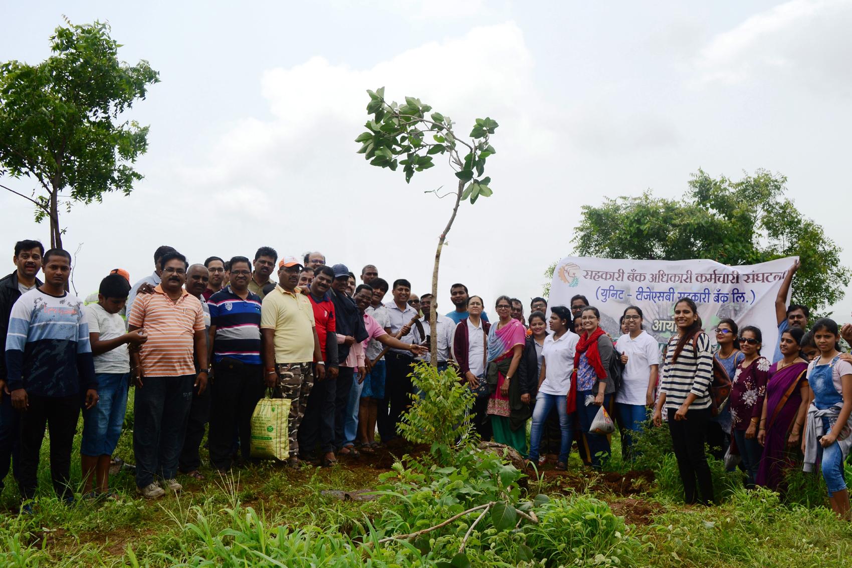 तळजाई वर वृक्षमिञ पुरस्कार व वृक्षारोपण कार्यक्रम