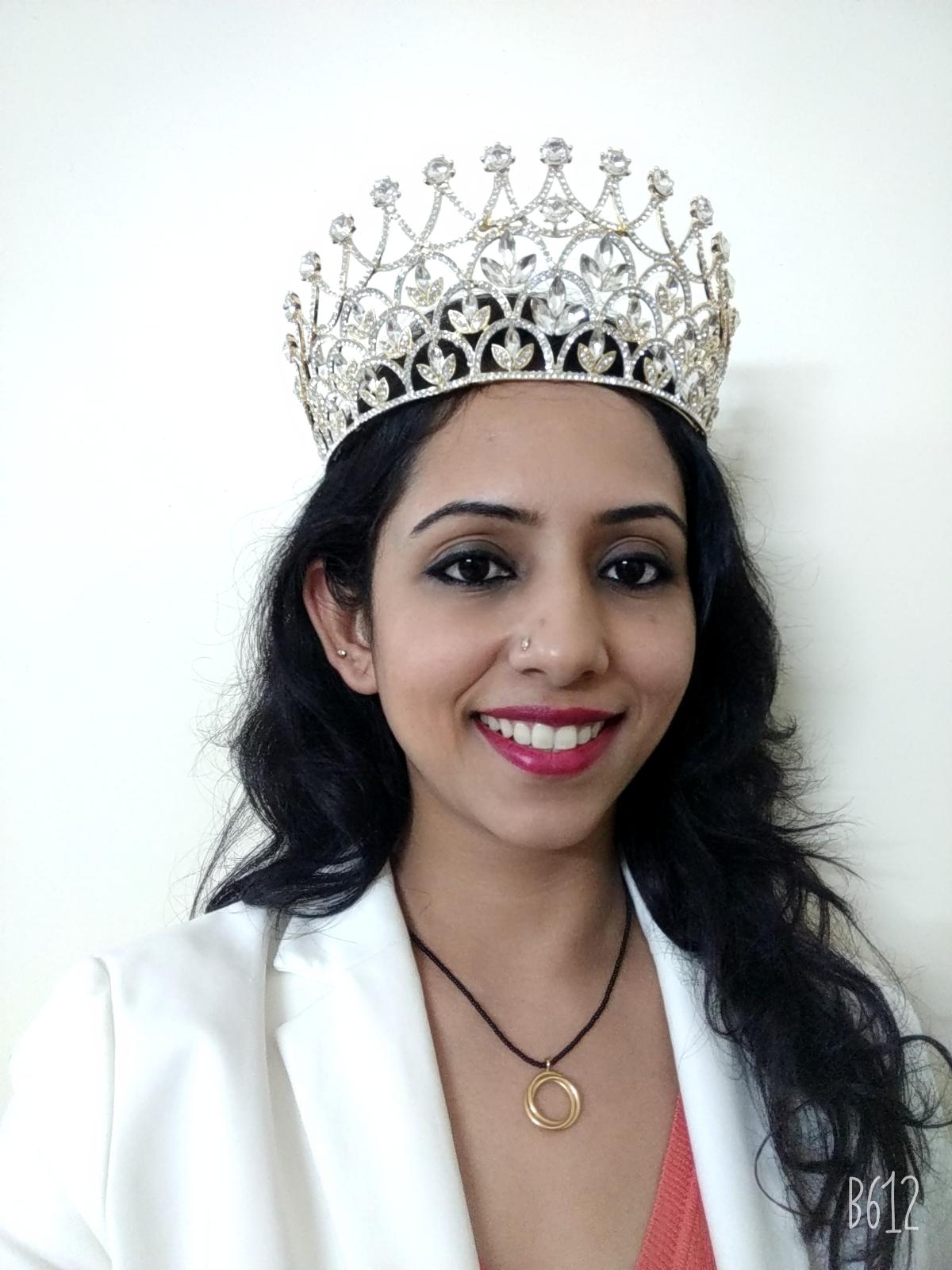 आईटीप्रोफेशनल    व्यावसायिक डालिया दत्ता ठरल्या  'मिसेस इंडिया