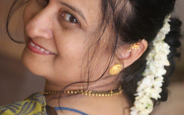 नवरात्री (लेखिका-पूर्णिमा नार्वेकर)