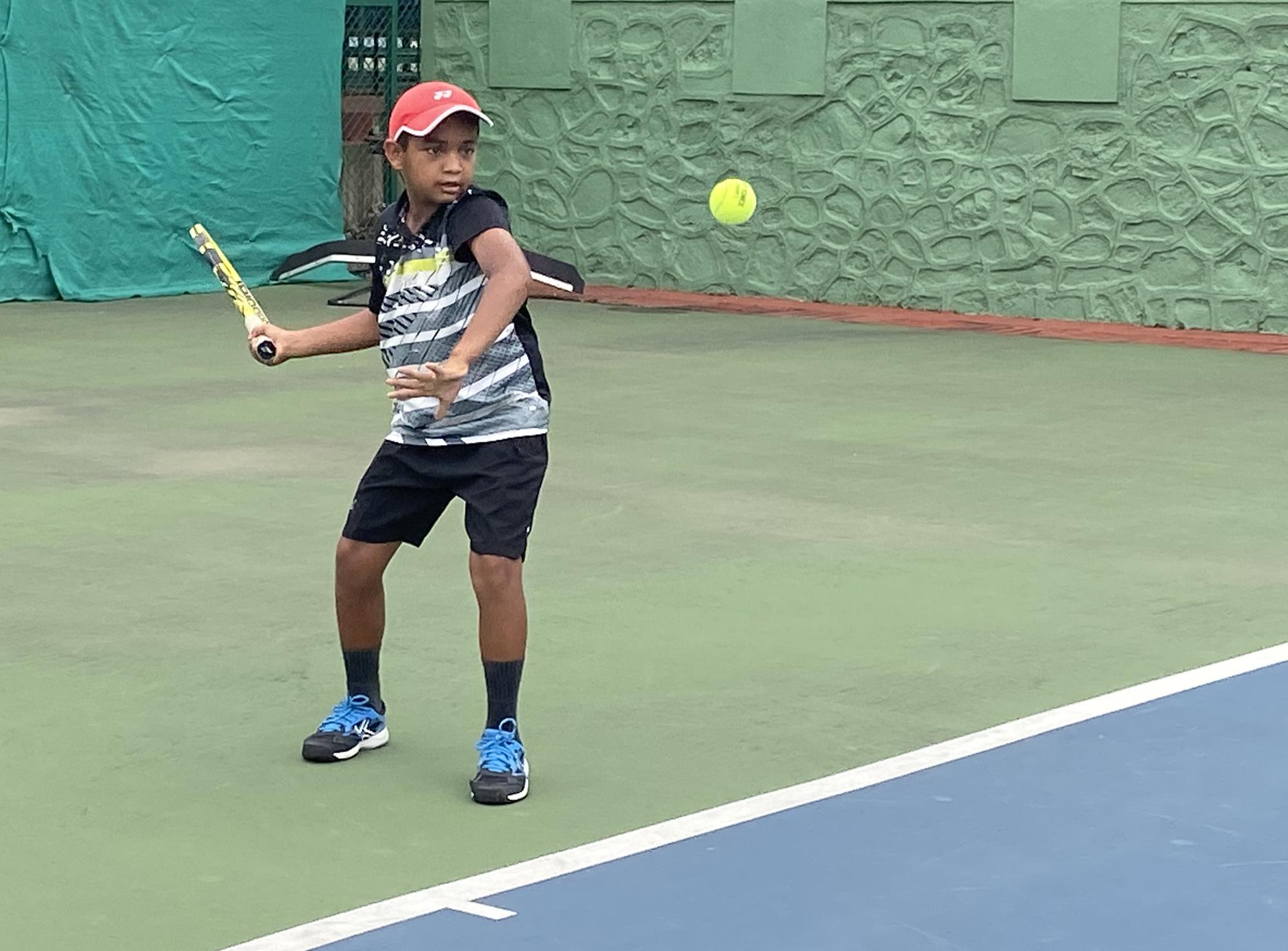 14 वर्षाखालील टेनिस स्पर्धेत सूर्या काकडे, आयुश पुजारी, राजवीर पाडाळे यांची विजयी सलामी