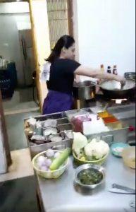 स्पृहा जोशीने 'रंगबाज'च्या युनिटसाठी बनवलं जेवण