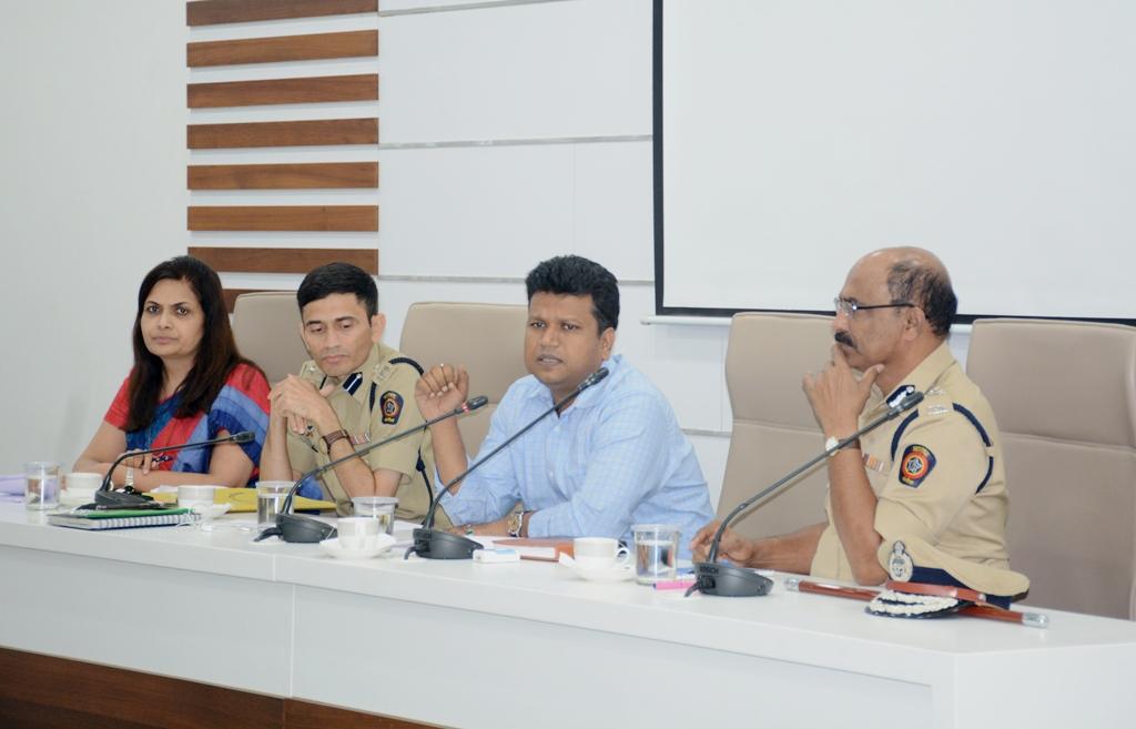 जिल्हाधिकारी नवल किशोर राम यांच्या अध्यक्षतेखाली शांतता समितीची बैठक संपन्न