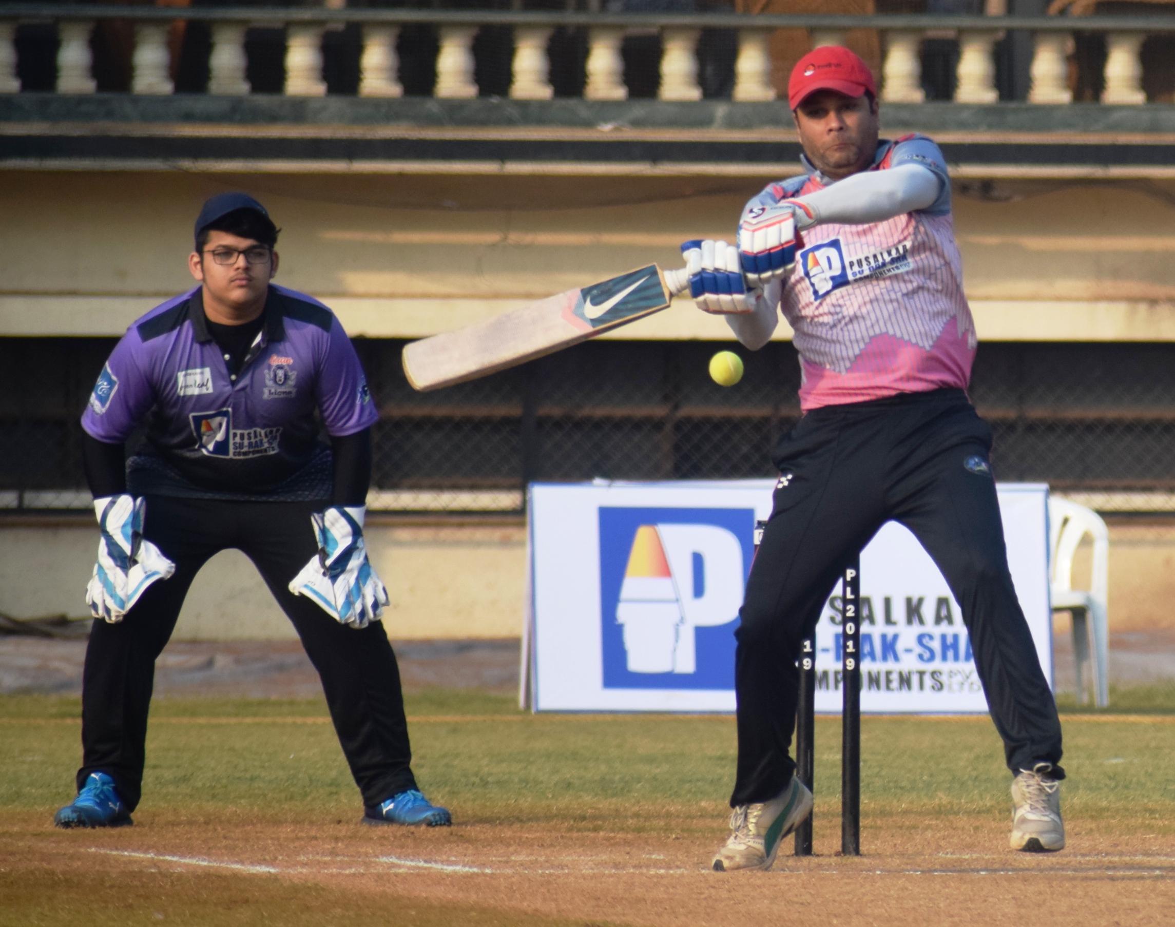पीवायसी-पुसाळकर सु-रक-क्षा कंपोनंट्स पीवायसी प्रीमियर लीग क्रिकेट 2019 स्पर्धेत टस्कर्स, स्कॅवेंजर्स संघांचा उपांत्यपूर्व फेरीत प्रवेश