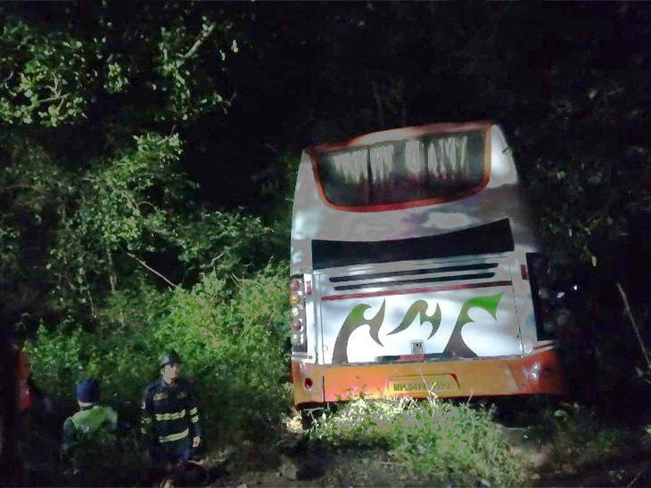 साताराहून मुंबईला जाणारी बस दरीत कोसळली; 5 ठार, 25 जखमी