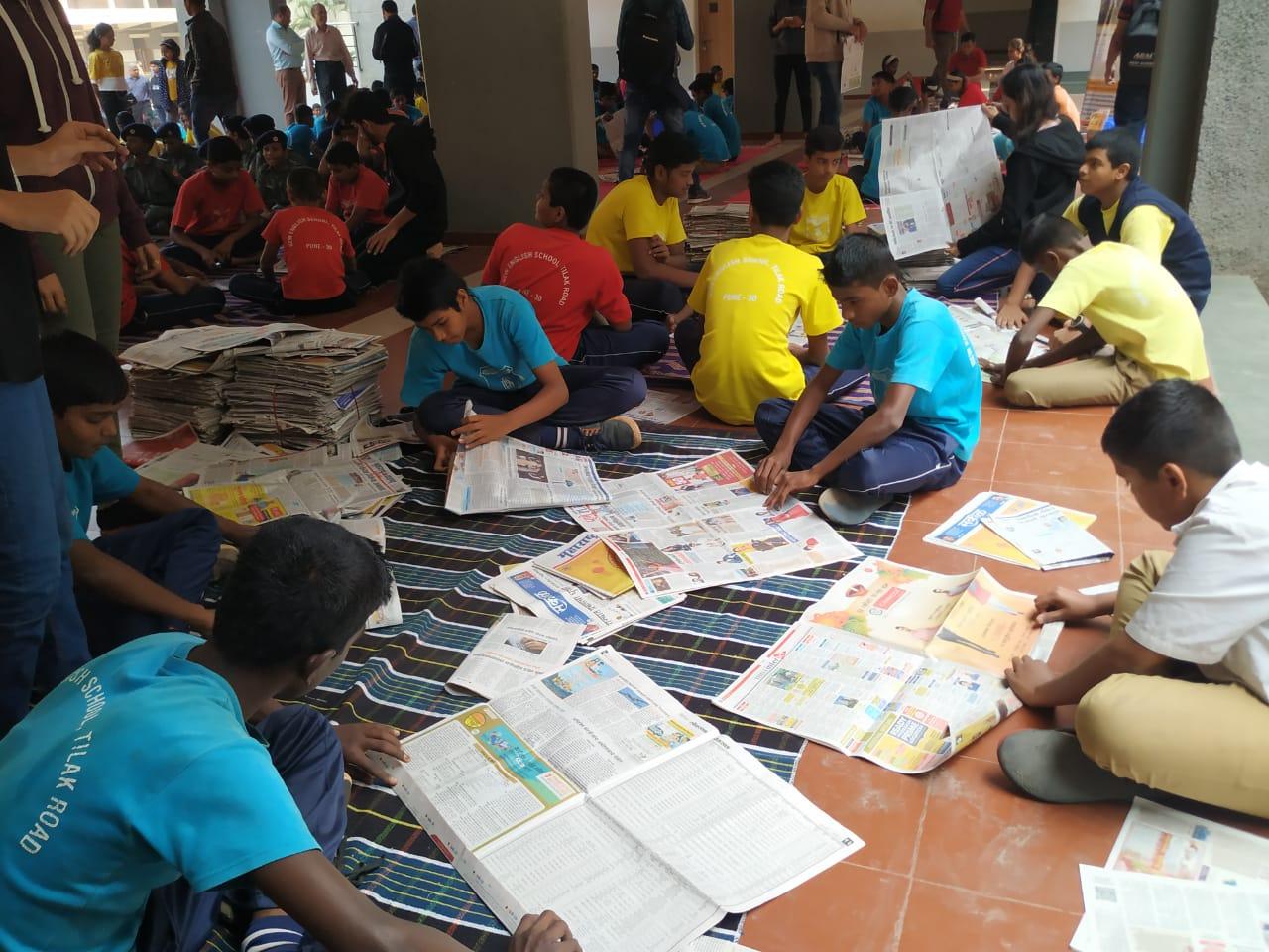 कागदी पिशव्या तयार करण्याचे पाचशे विद्यार्थ्यांना धडे