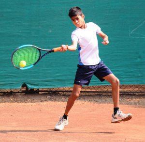 14 वर्षाखालील टेनिस स्पर्धेत रितिका मोरे, श्रीया देशपांडे यांचा मानांकित खेळाडूवर विजय