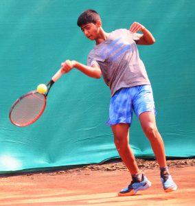 14 वर्षाखालील टेनिस स्पर्धेत पार्थ देवरुखकर, देव तुराकिया, अभिराम निलाखे यांची विजयी सलामी