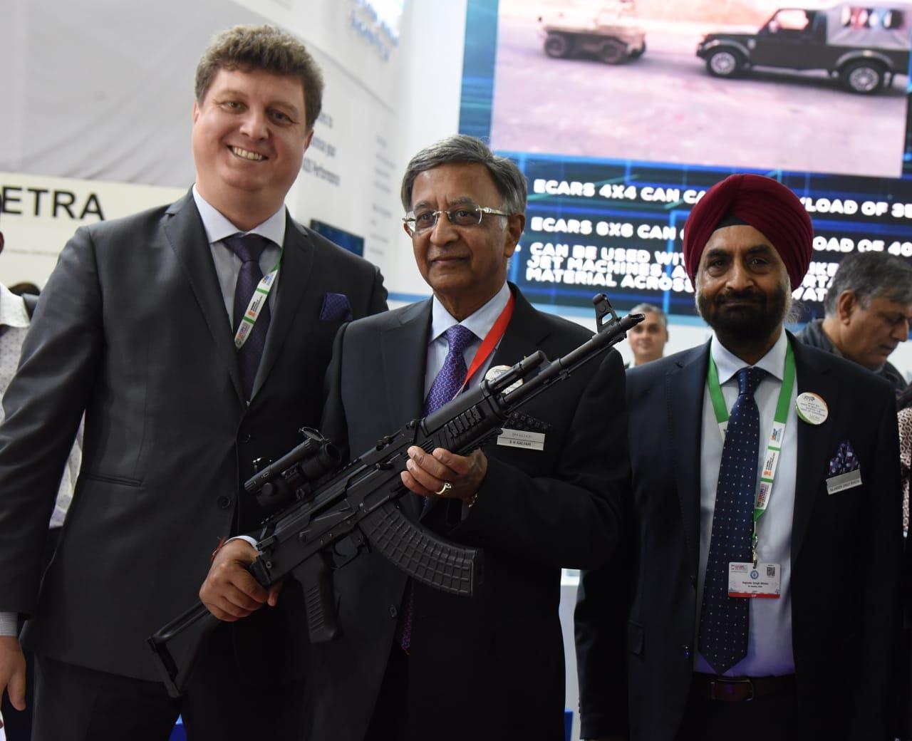 'मेक इन इंडिया' नुसार छोटी शस्त्रे आणि दारुगोळा यांची निर्मिती करणार-कल्याणी ग्रुप आणि आर्सेनल जेएस कंपनीची धोरणात्मक भागीदारी