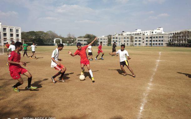 दहाव्या रंगूनवाला 'सेव्हन -ए-साईड' फुटबॉल स्पर्धेचे उद्घाटन