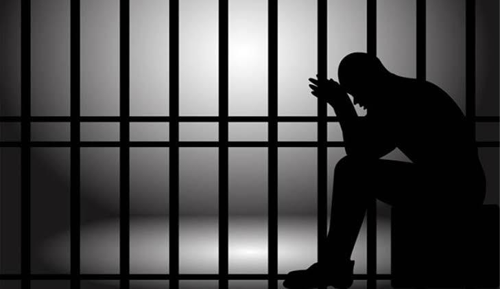 कोरोना इफेक्ट- राज्यातले 12हजार कैदी तुरुंगातून सोडनार -गृहमंत्री