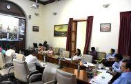 राज्यपालांनी साधला विभागीय आयुक्त, जिल्हाधिकाऱ्यांशी संवाद
