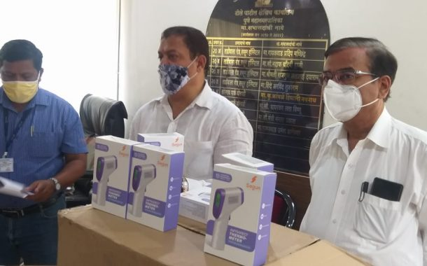 झोपडपट्ट्यांमध्ये दारोदारी आरोग्य दूत -अरविंद शिंदेंचा प्रयत्न (व्हिडीओ)