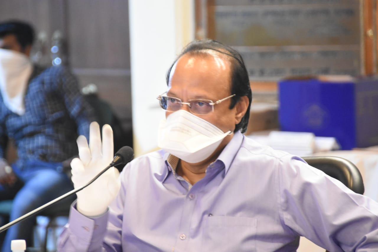 खाजगी हॉस्पिटलचे ८० टक्के बेड ताब्यात घ्या  -उपमुख्यमंत्री अजित पवार