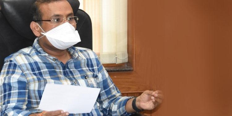 ग्रामीण भागात कॉन्टॅक्ट ट्रेसिंग वाढवावे – आरोग्यमंत्री राजेश टोपे