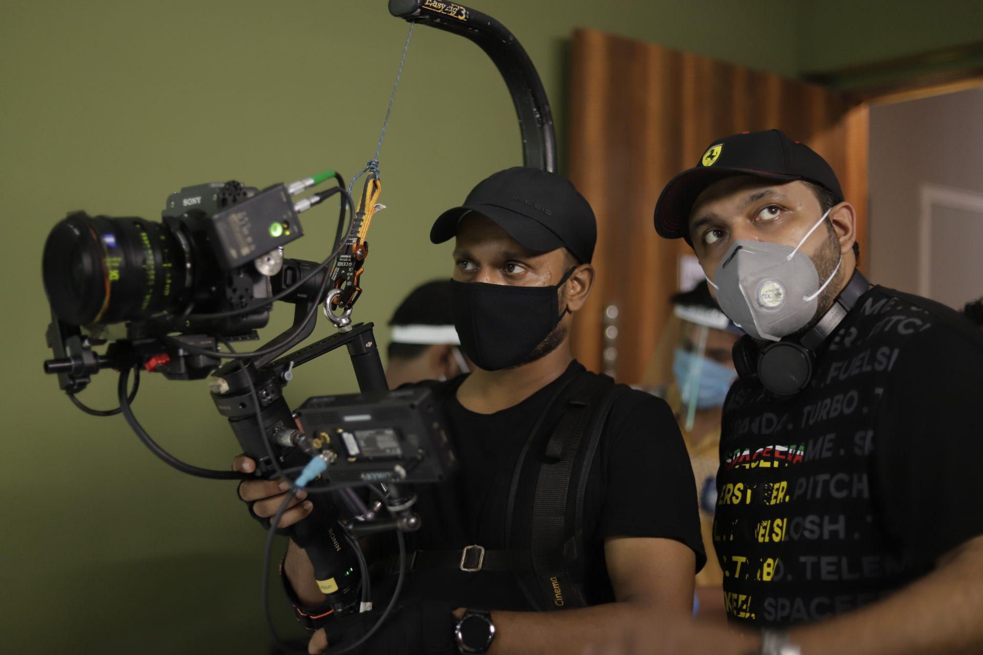 आदित्य सरपोतदार करणार 'झोंबिवली' या मराठीतल्या पहिल्या झॉम-कॉम सिनेमाचं दिग्दर्शन