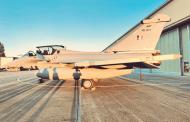 अंबाला एअयरबेसवर उतरले पाच राफेल विमान,संरक्षण मंत्री म्हणाले- सैन्य इतिहासात नवीन युगाची सुरुवात (व्हिडिओ)