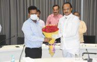 जिल्हाधिकारी नवल किशोर राम यांना उपमुख्यमंत्री अजित पवार यांनी दिल्या शुभेच्छा