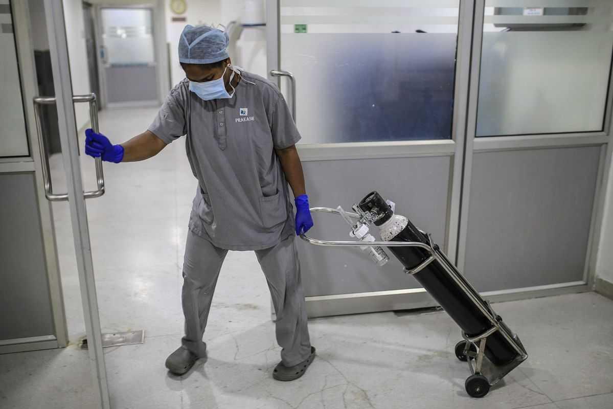 कोरोनामुळे वैद्यकीय क्षेत्रासाठी ८० टक्के प्राणवायू पुरविणे उत्पादकांना बंधनकारक – आरोग्यमंत्री राजेश टोपे