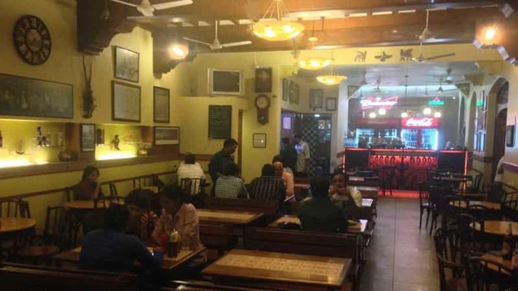 आता मुंबईत बार, हॉटेल, रेस्टॉरंट, फुड कोर्ट सकाळी 7 ते रात्री साडेअकरा वाजेपर्यंत सुरू