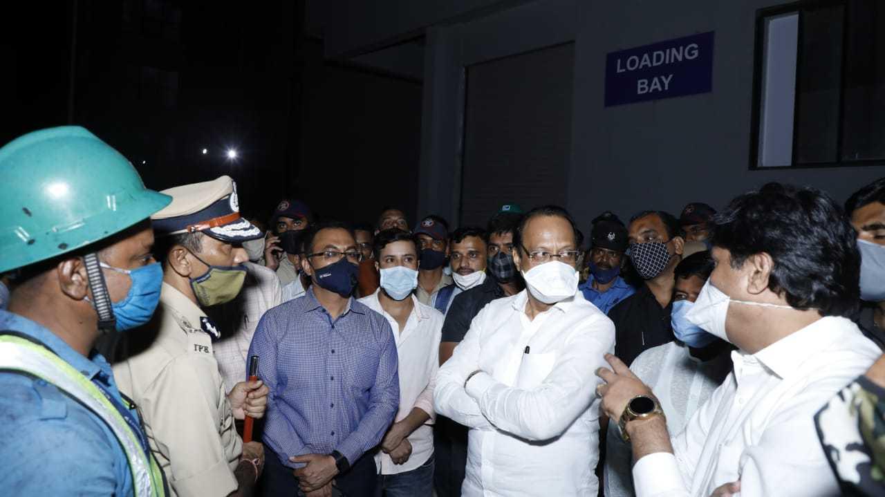 कोविड प्रतिबंधक लसनिर्मिती कार्यक्रम आणि साठा सुरक्षित -उपमुख्यमंत्री अजित पवार यांची माहिती