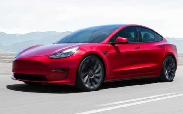 अमेरिकेतील इलेक्ट्रिक कार कंपनी 'टेस्ला'ची  भारतात एन्ट्री